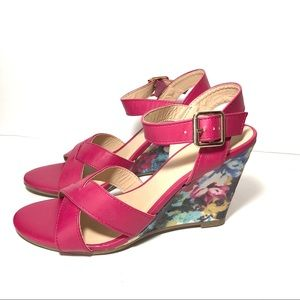 Pink Vegan Leather Wedged Sandals Sz 8 NWT